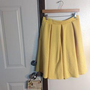 Small Lularoe Madison Pleated Skirt w/Polkadots